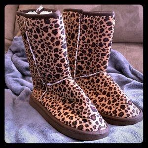 Shoes - Leopard print UGG style boots